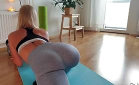 The beautiful round and firm ass of a blonde is deeply penetrated in doggystyle by a big cock until she gets covered with a lot of hot cum.