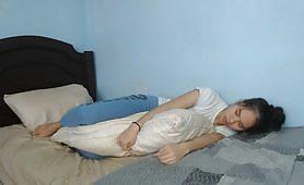 8 minute de un adolescent virgin cu tate mici, perna asiatica umezeste hardcore pana are contractii de orgasm cu geme foarte puternice. Thailanda curva cu adevarat virgin pasarica!